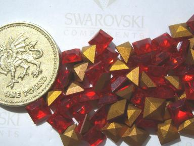 18 x Swarovski 1.5mm x 1.5mm Crystal diamanté gold-foiled #4400 squares
