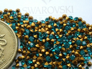 48 x Swarovski 6SS 14pp Emerald gold-foiled # 1012 chatons